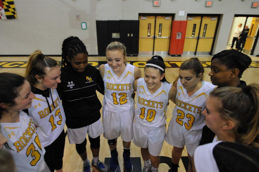 Girls basketball remains undefeated after crushing QO 57-32