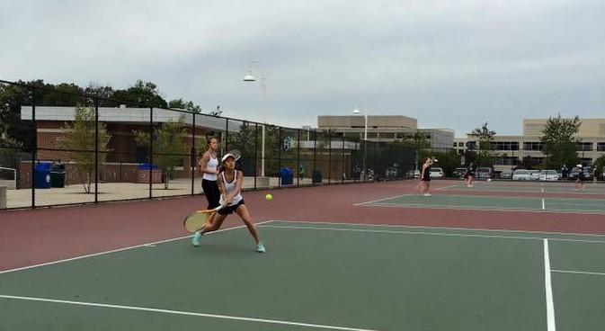 Girls tennis defeats Walter Johnson despite poor weather conditions