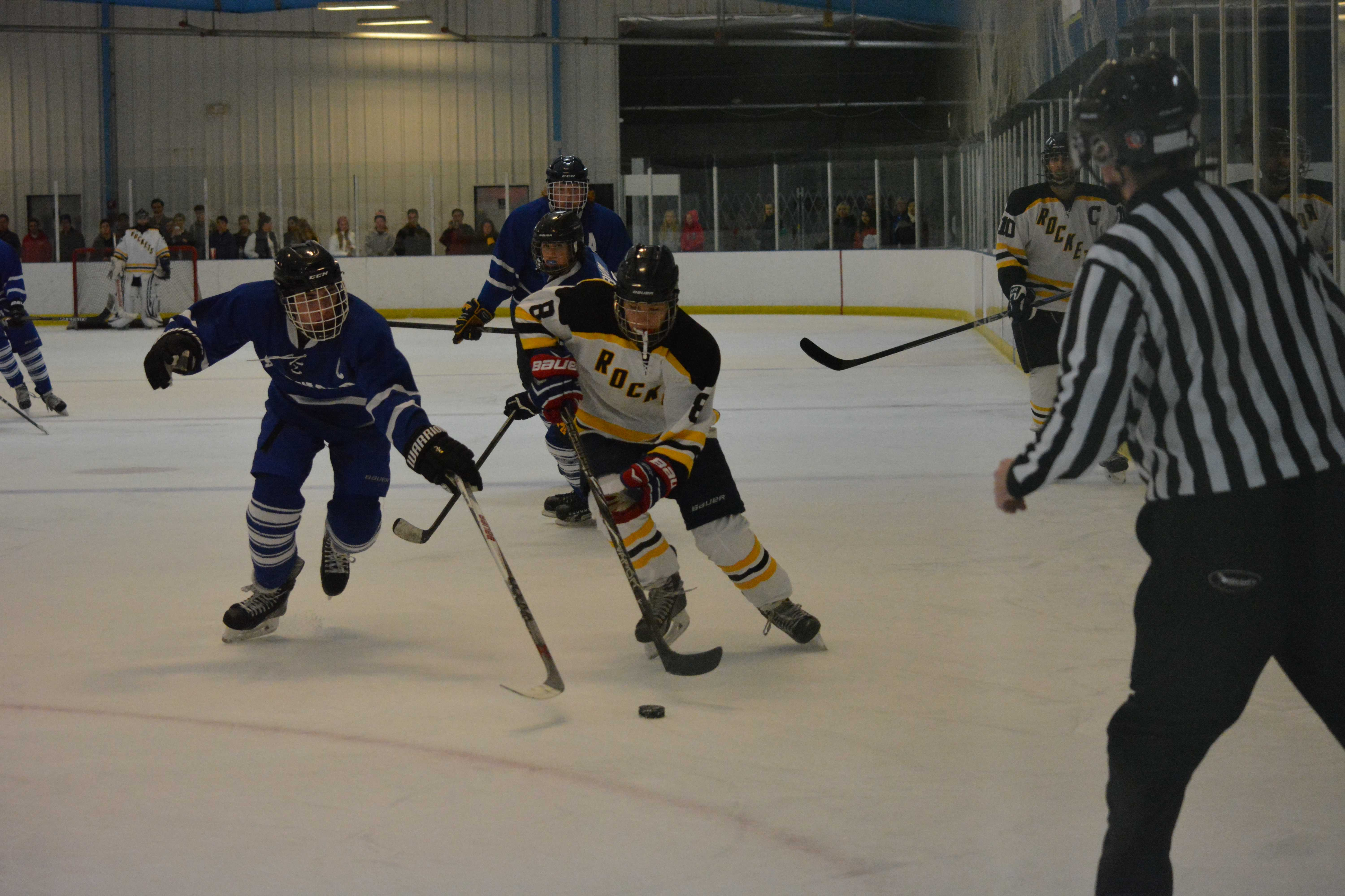 Rockets ice hockey falls to Sherwood leading to rough start in season