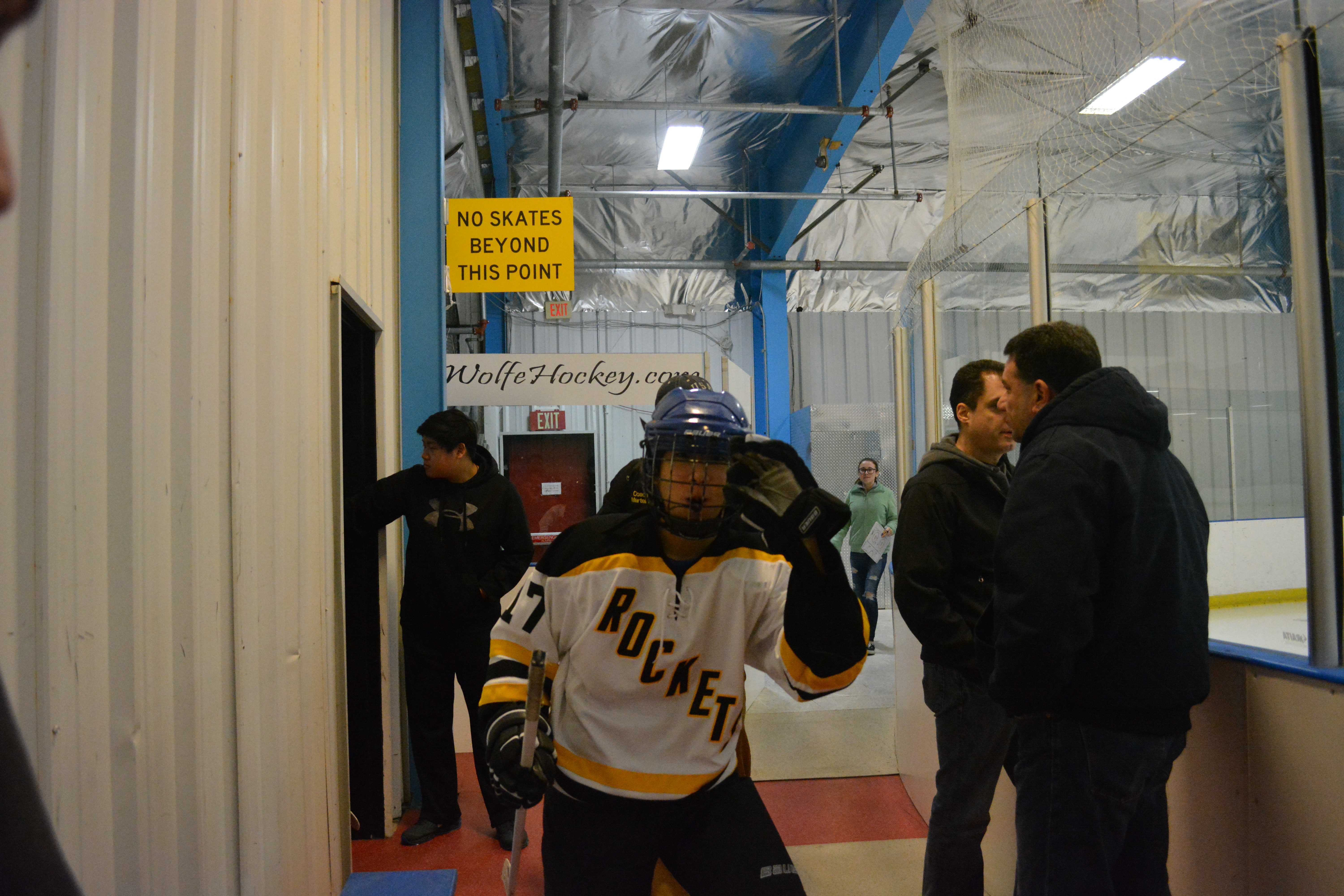 Albert Zhang steps up during RM hockey's fall to Whitman