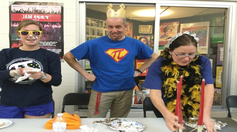 Goetz takes first place in pie eating competition