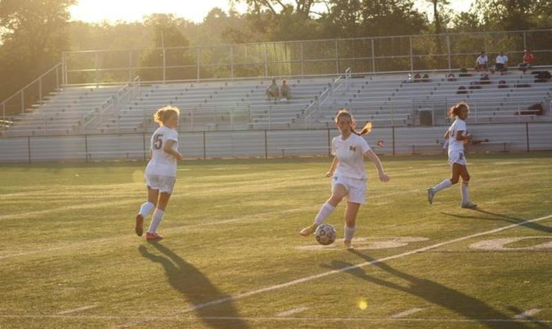 Girls soccer beats Cardinals, ties Tigers