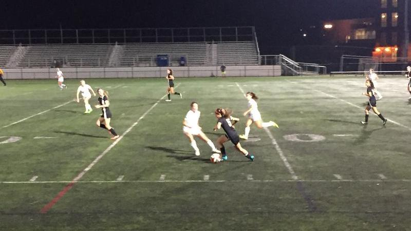 Girls soccer ends their season after getting knocked out of playoffs