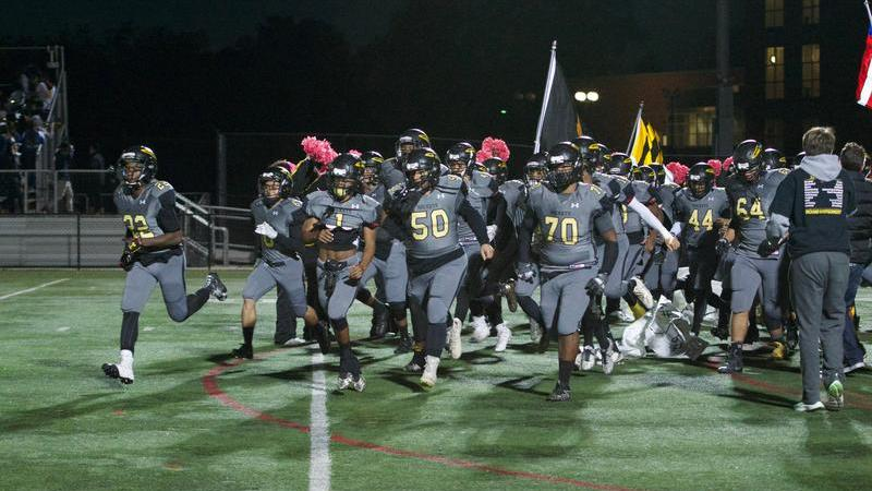 Rockets' offense and defense shine as RM defeats Gaithersburg on Senior Night 28-12 to clinch playoff berth