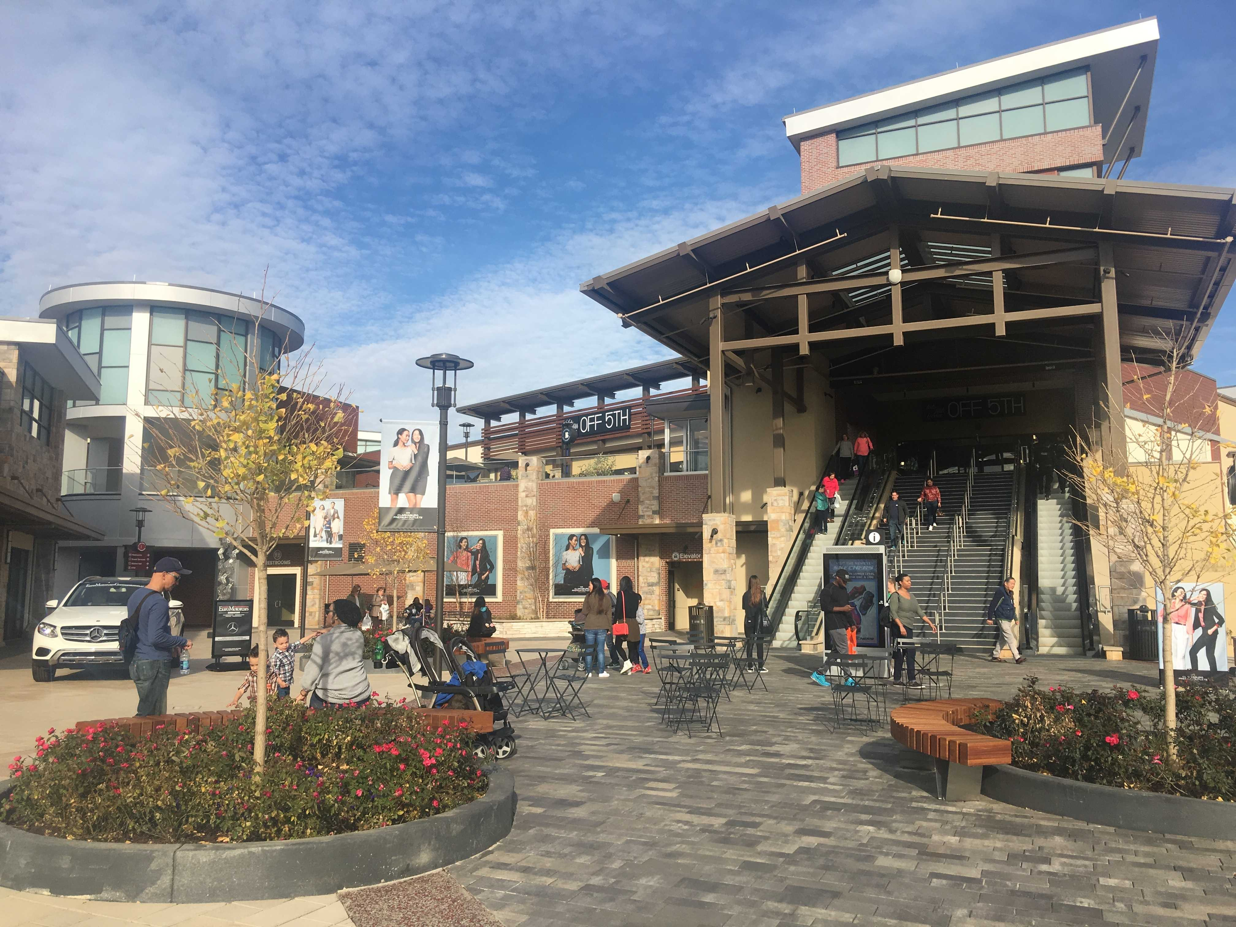 Clarksburg Premium Outlets offer new options for RM students