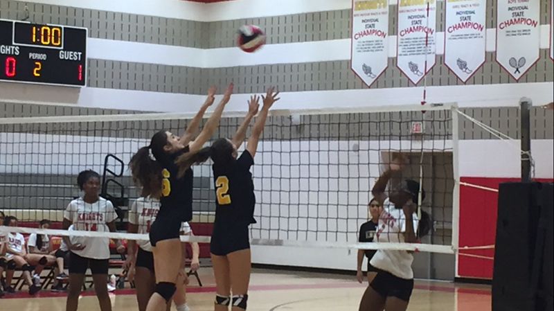 Volleyball defeats Wheaton for a crucial win