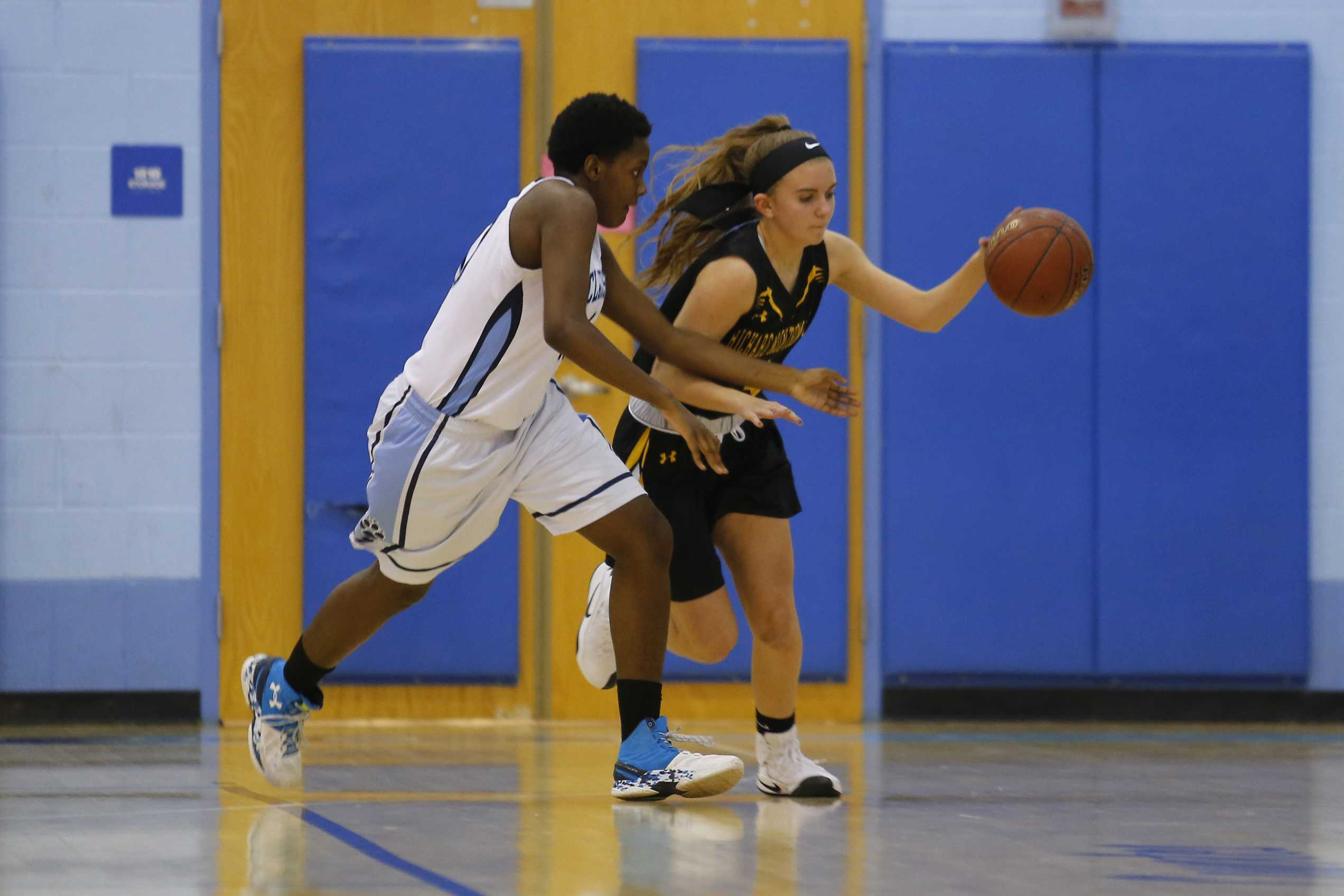 Girls basketball continues undefeated streak with 70-52 win over Gaithersburg