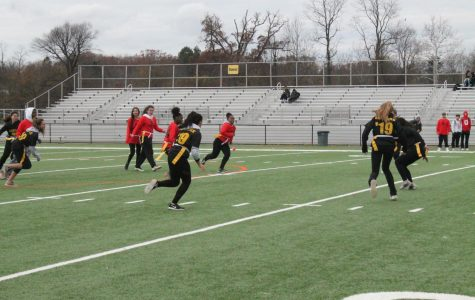 Juniors clinch Powderpuff playoff win against seniors