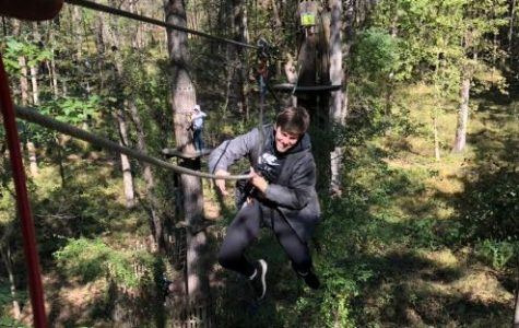 Honors Physics students take learning to the trees