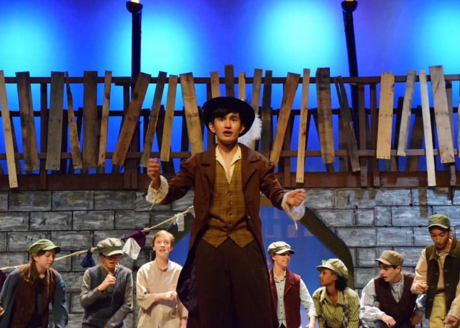 Junior+Tudor+Postolache+takes+to+the+stage+as+Fagin+in+%22Oliver%21%22