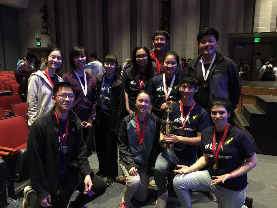Science+Olympiad+team+members+attend+the+awards+ceremony.+