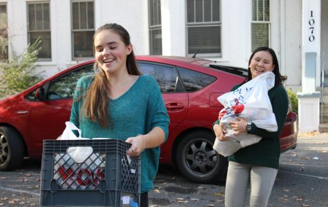 Photo of the Day: Candid of Stepping Stones Volunteers