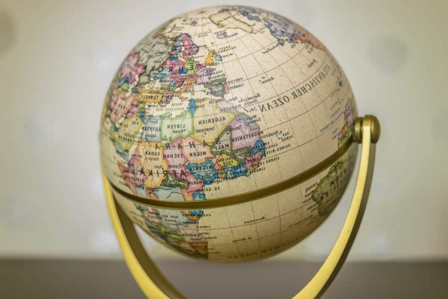 A+globe+is+commonly+used+in+classrooms+to+teach+geography.
