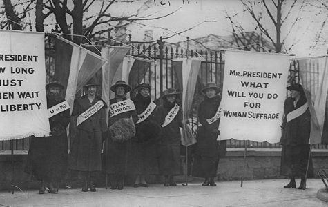 Women suffragists protesting in front of the White House in 1917.