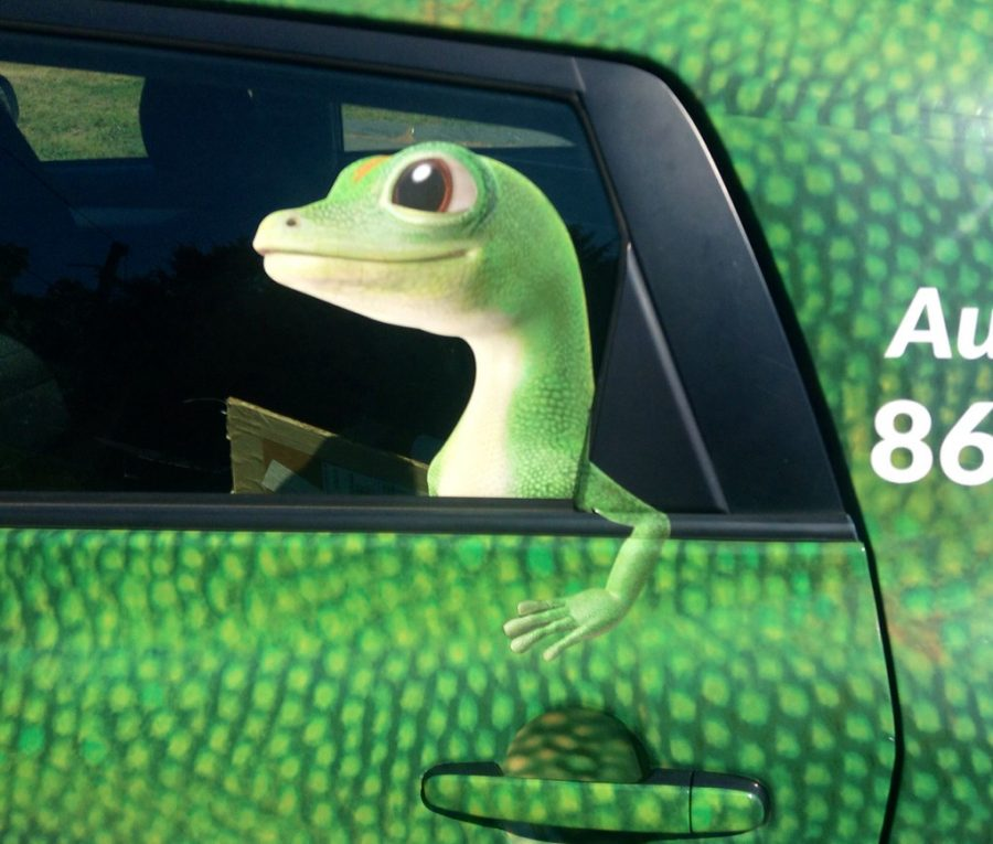 With the coronavirus pandemic affecting our everyday lives, companies like Geico are adapting their commercials to spread proper messages.