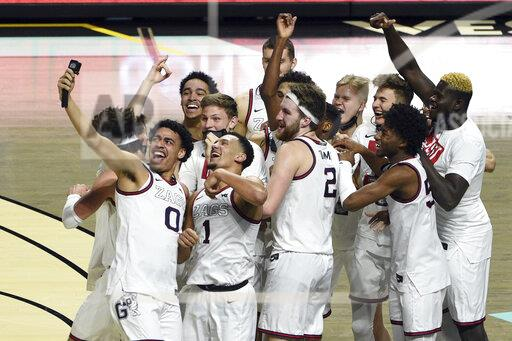 The unbeaten Gonzaga Bulldogs (26-0) will enter the tournament as the top-ranked team, with the hopes of becoming the first undefeated National Champion since the 1976 Indiana Hoosiers.