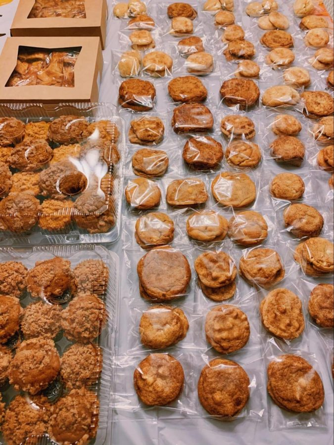 In their most recent donation drive, RM Bakeaway members baked over 300 desserts for the organization Bethesda Cares.