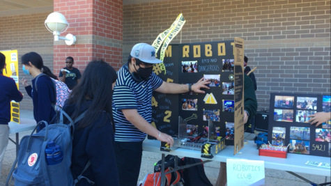 RMs Robotics Club pitches their activities at the club fair.